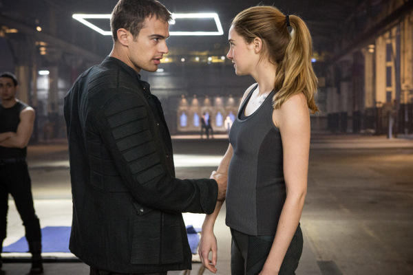 Divergent Movie Review
